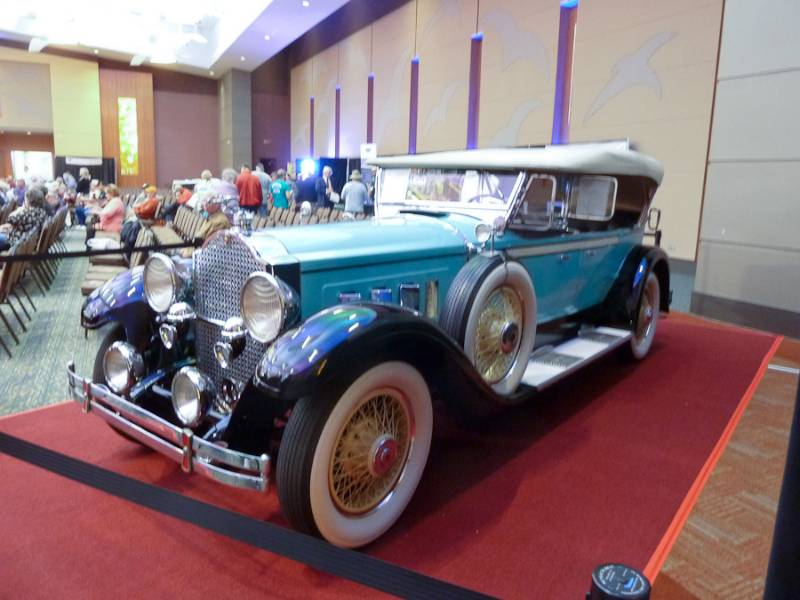 Branson Collector Car Auction – Branson Convention Center